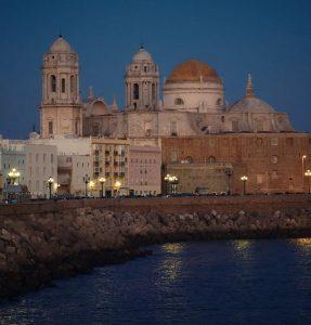 Hyrbil & biluthyrning i Cádiz